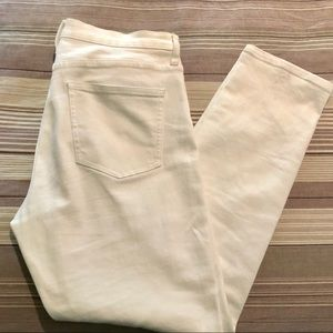 UNIQLO high-waist white jeans size 4